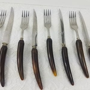 Other - Vintage stainless knives forks plastic horn style